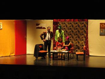 Momento de la obra en el Teatro de Caja Duero.