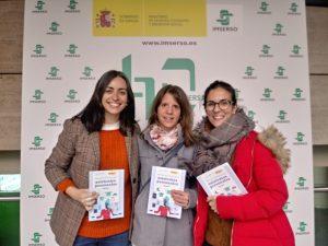 De izquierda a derecha, Rosana (Fundación INTRAS), Lorena (PRONISA) y Beatriz, de Fundación AVIVA
