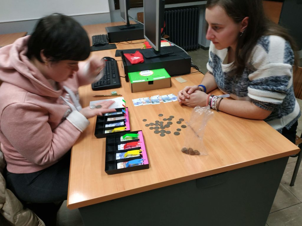 Reforzando conceptos en el taller de refuerzo cultural