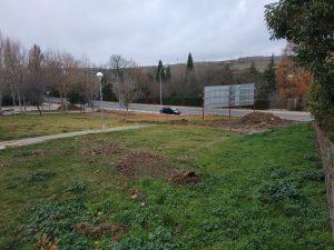 Imagen de la zona de biosaludables con vistas al parque y donde se situarán los toboganes naturales.
